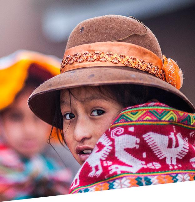 (Andean children/Yanapana work)