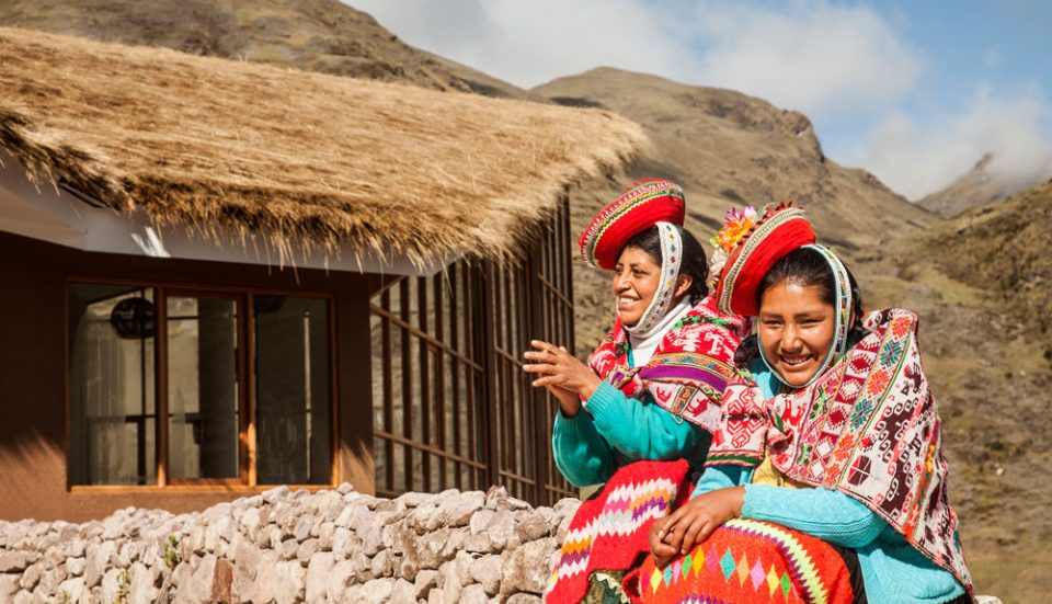A visit to the Huacahuasi Lodge from ladies of the local community